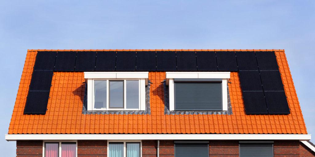 het verschil tussen kopen of huren van zonnepanelen