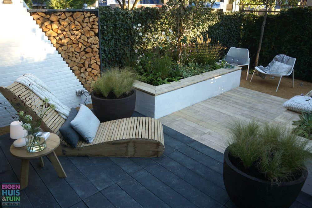 Een moderne tuin met witte borders