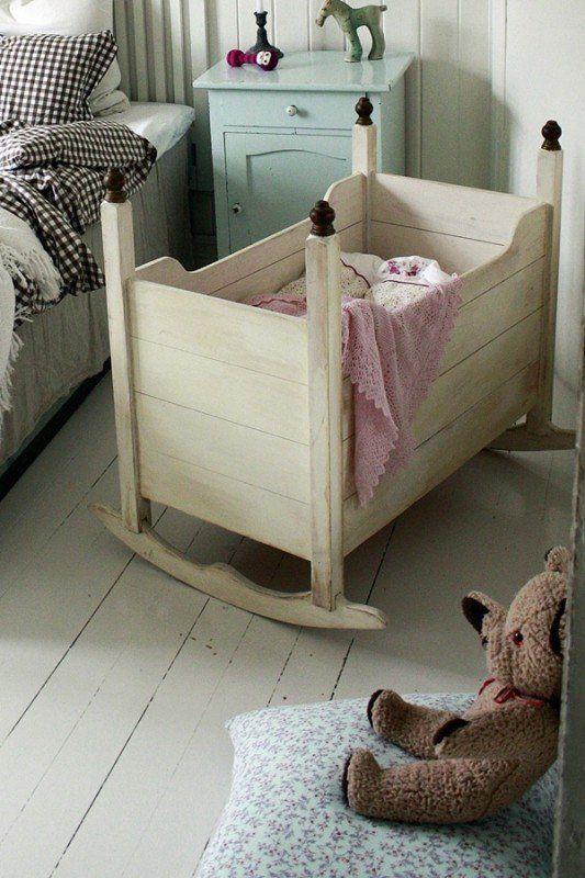 babykamer idee voor schommelde wieg