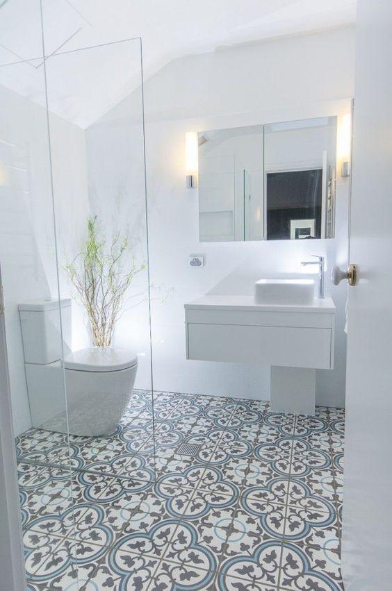 Spiegel met verlichting ideeën voor de badkamer