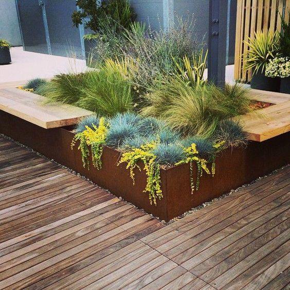 roestige design plantenbak