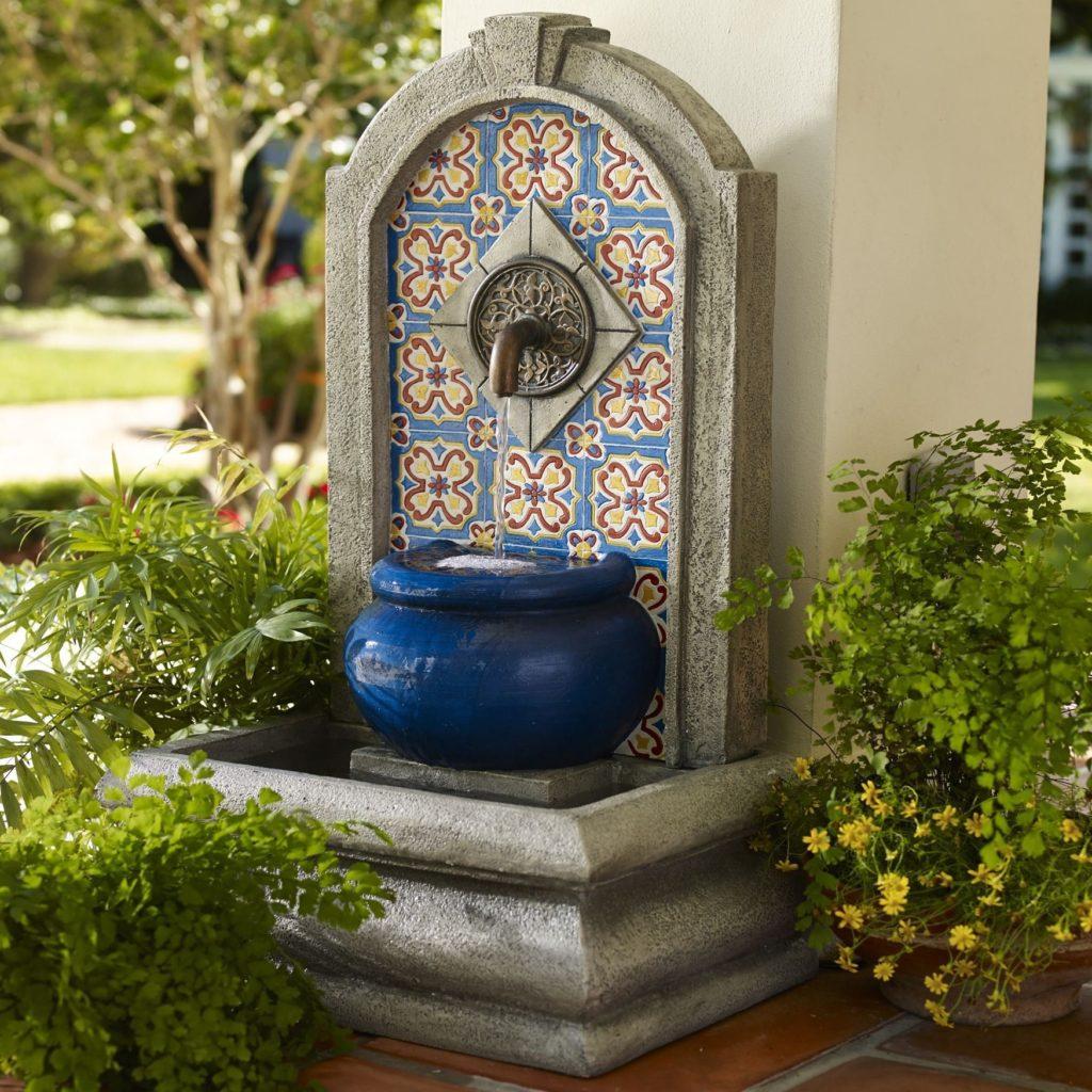 mozaic fontein in de tuin