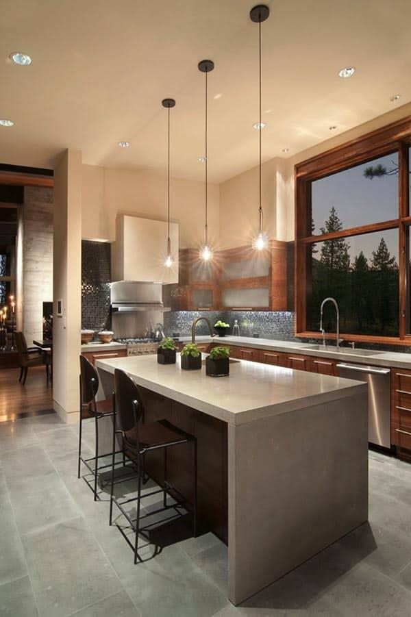 moderne keuken met creme muren en grijs keukenblad