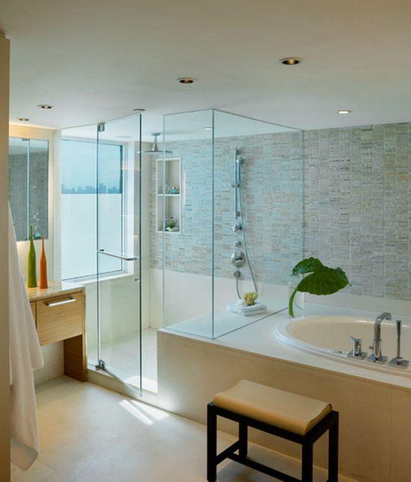 glazen inloopdouche in de badkamer
