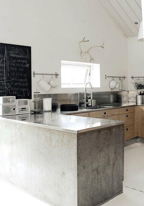 industriele keukenkastjes met betonlook keukenkasten met stenen keukenblad.
