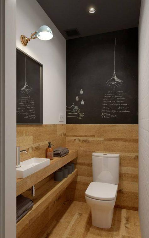 krijtverf op de muur en een houten vloer