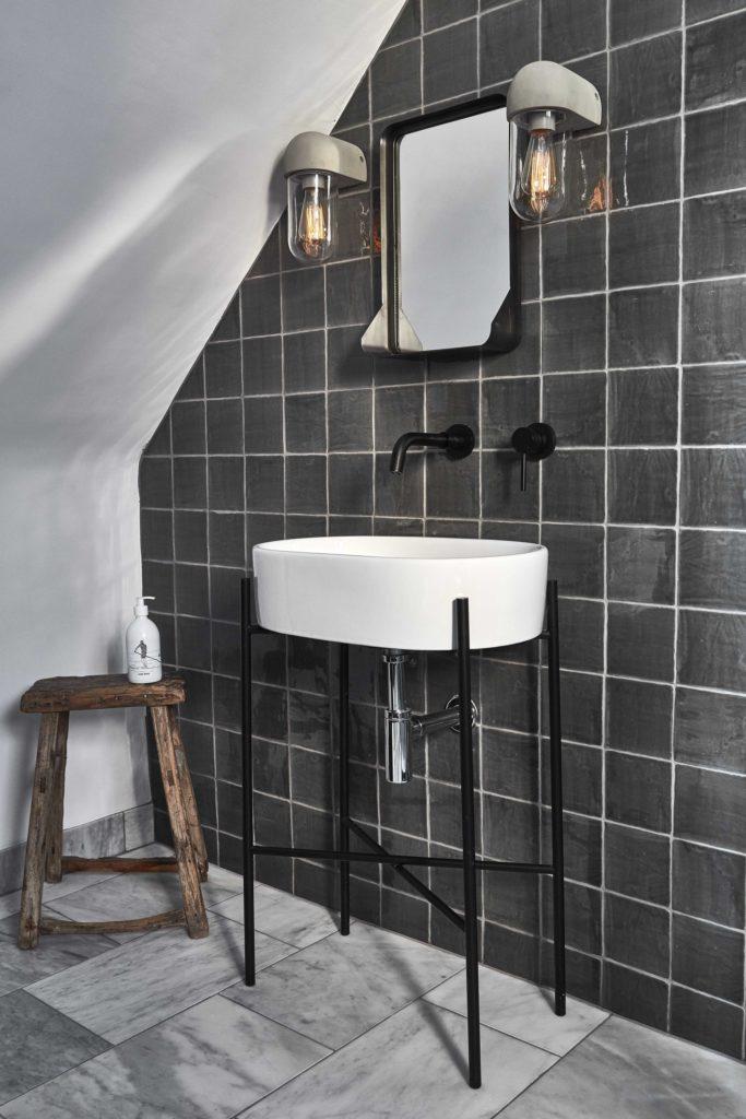sandinavische Zwart badkamer ideeën en voorbeelden
