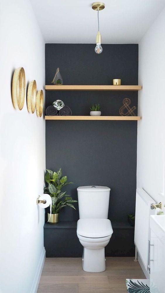 modern wc met gouden decoratie
