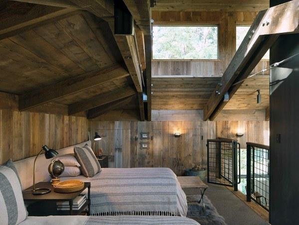 landelijke houten muur in de slaapkamer