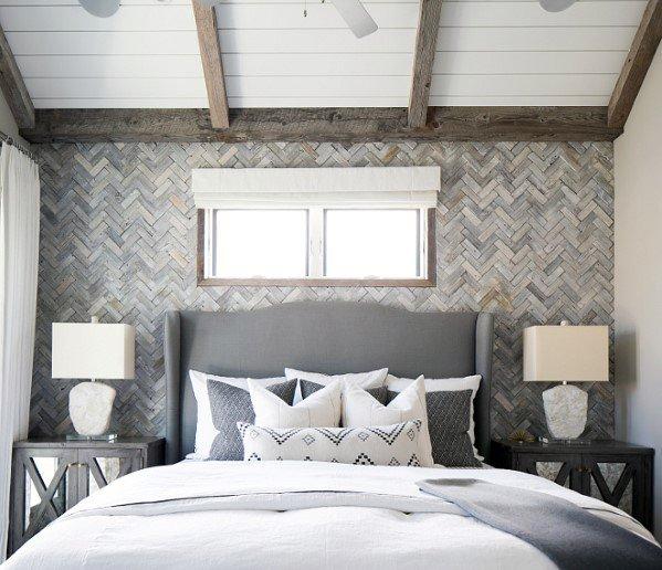 moderne houten muur in de slaapkamer van visgraad